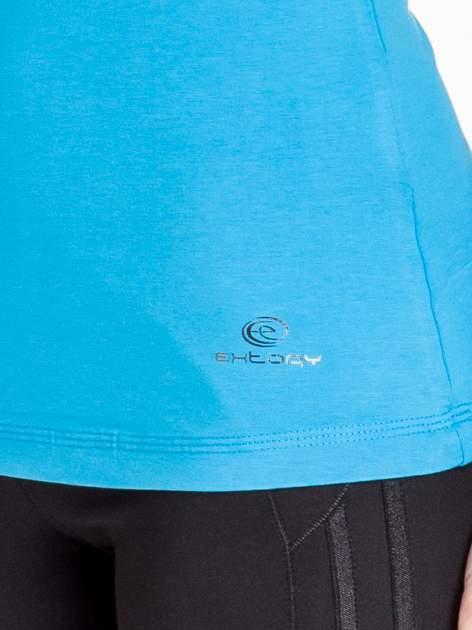 Niebieska bluzka sportowa basic PLUS SIZE                                  zdj.                                  5