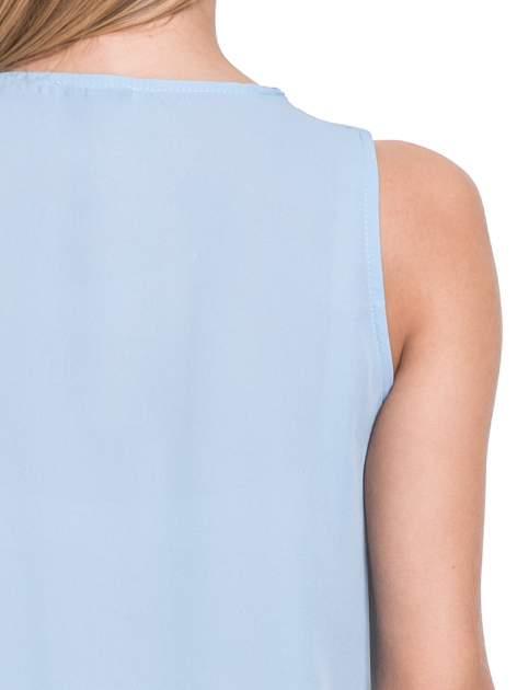Niebieska elegancka koszula z żabotem                                  zdj.                                  6