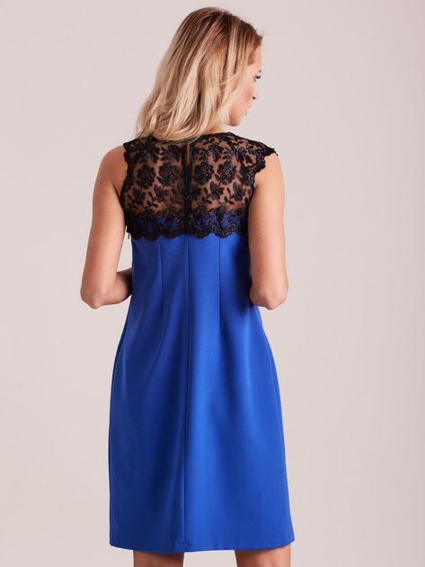 Niebieska elegancka sukienka z koronką                              zdj.                              2