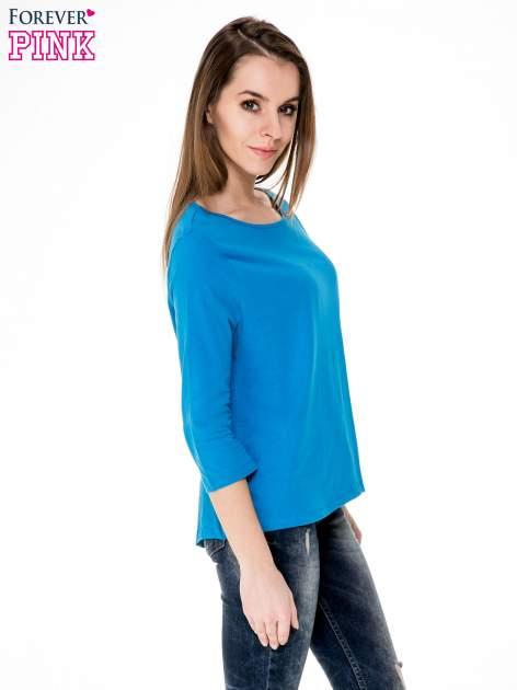 Niebieska gładka bluzka z łezką z tyłu                                  zdj.                                  3