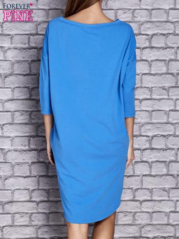 Niebieska gładka sukienka oversize                                  zdj.                                  4