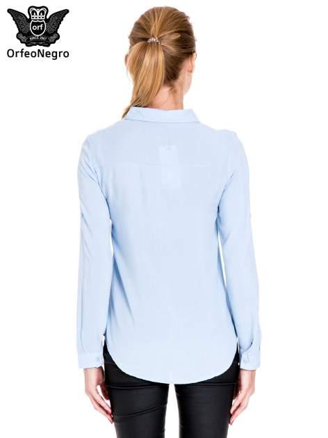 Niebieska koszula damska z koronkową górą                                  zdj.                                  4