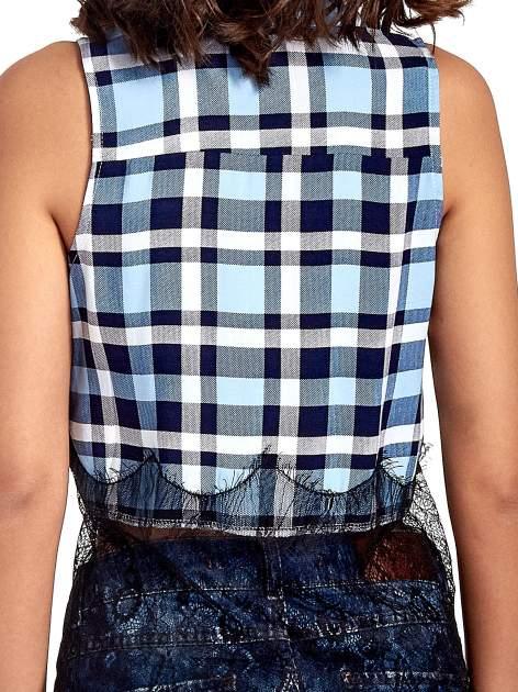 Niebieska koszula w kratę z koronkowym dołem                                  zdj.                                  5