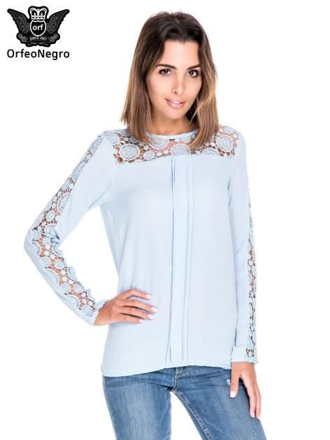 Niebieska koszula z gipiurą