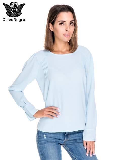 Niebieska koszula z wycięciem na plecach                                  zdj.                                  1