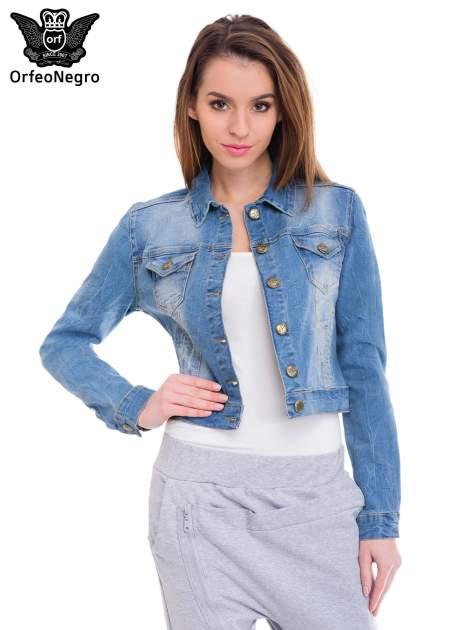 Niebieska kurtka jeansowa damska z efektem gniecenia