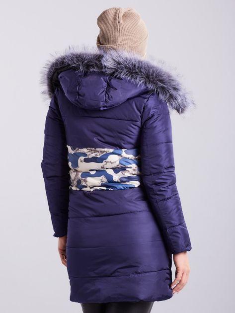 Niebieska pikowana kurtka zimowa PLUS SIZE                              zdj.                              2