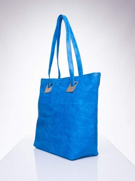Niebieska prosta torba shopper bag ze złotymi okuciami                                  zdj.                                  2