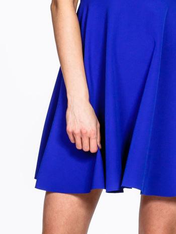 Niebieska rozkloszowana sukienka z kwadratowym dekoltem                                  zdj.                                  6
