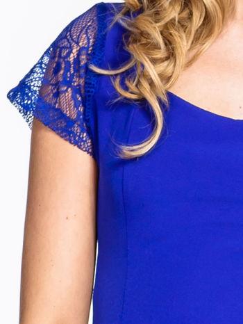 Niebieska rozkloszowana sukienka z kwadratowym dekoltem                                  zdj.                                  5