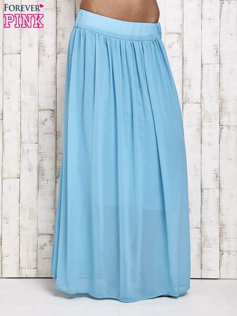 Niebieska spódnica maxi na gumkę w pasie