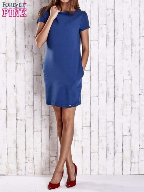 Niebieska sukienka dresowa z kieszeniami                                  zdj.                                  2