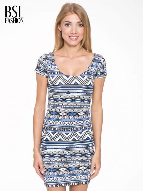 Niebieska sukienka tuba w azteckie wzory                                  zdj.                                  1