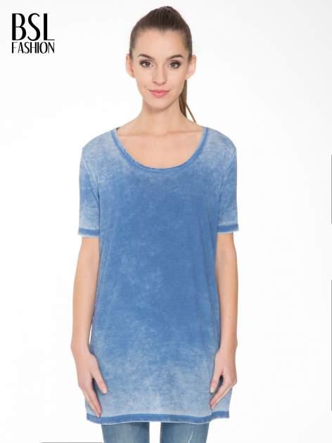 Niebieska sukienka typu t-shirt bluzka z efektem dekatyzowania                                  zdj.                                  1