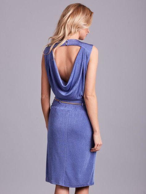 Niebieska sukienka z dekoltem na plecach                              zdj.                              2