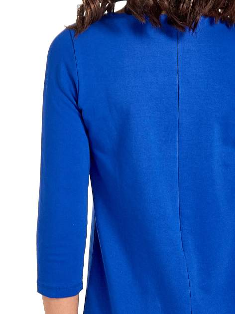 Niebieska sukienka ze złotymi suwakami                                  zdj.                                  7