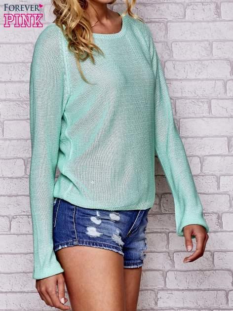 Niebieski błyszczący sweter z haftem sowy z tyłu                                  zdj.                                  3