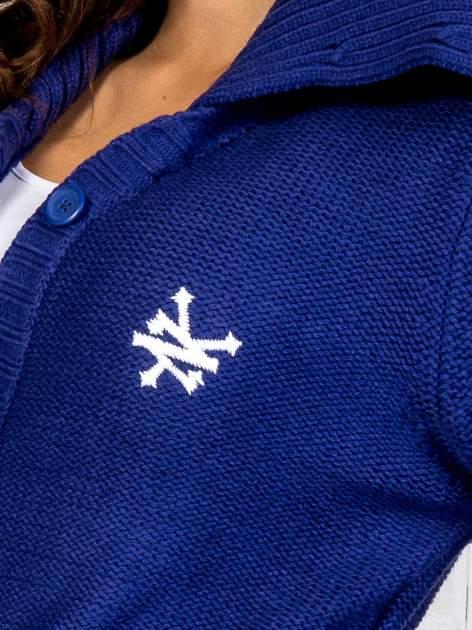 Niebieski długi sweter z wiązaniem                                  zdj.                                  6