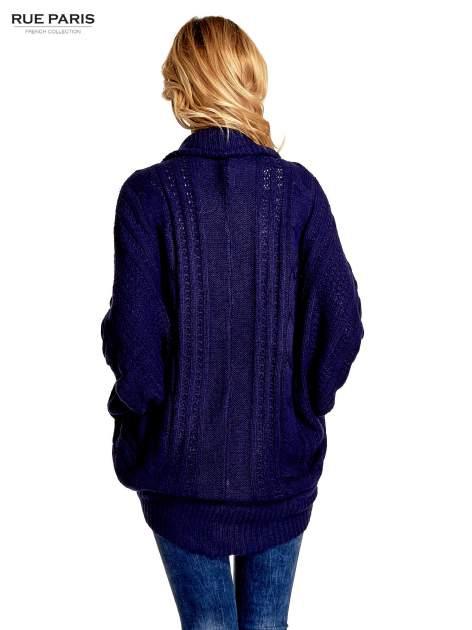 Niebieski dziergany sweter typu otwarty kardigan                                  zdj.                                  3
