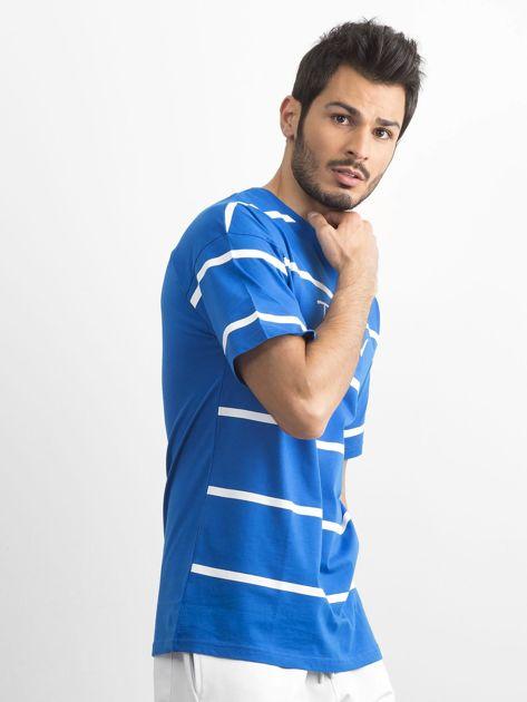 Niebieski męski t-shirt w paski                              zdj.                              1