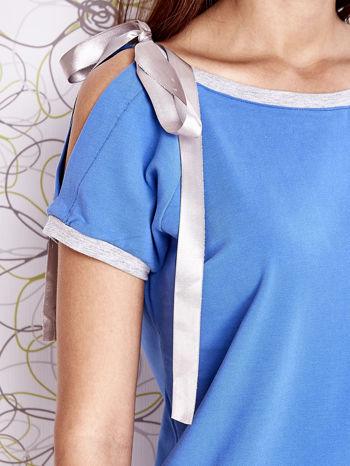 Niebieski t-shirt z kokardą                                  zdj.                                  5