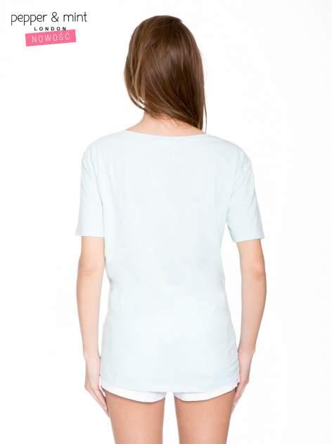Niebieski t-shirt z romantycznym nadrukiem dziewczyny                                  zdj.                                  4