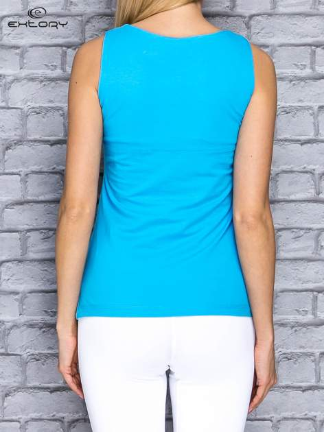 Niebieski top sportowy z wiązaniem w stylu marynarskim                                  zdj.                                  2