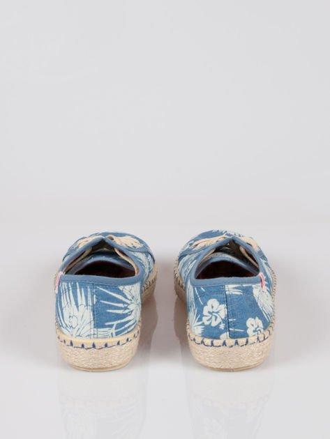 Niebieskie epadryle typu trampki w kwiaty Palm Springs                                  zdj.                                  3