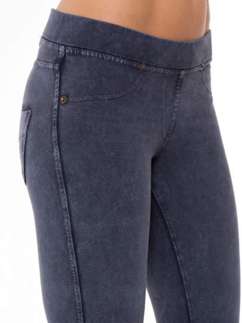 Niebieskie legginsy typu jegginsy                                  zdj.                                  6
