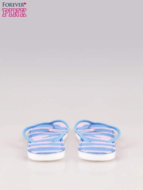 Niebieskie plażowe japonki z wzorzystą podeszwą                                  zdj.                                  3