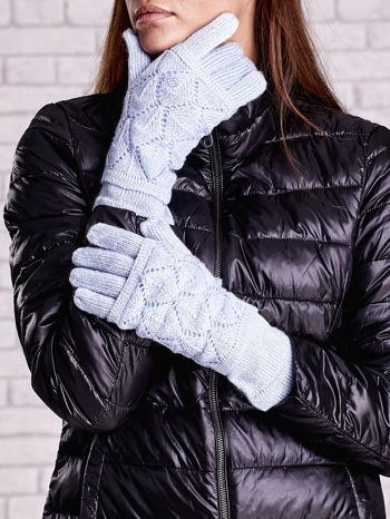 Niebieskie rękawiczki z ażurową warstwą