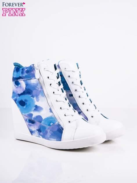 Niebieskie sneakersy kwiatowe z suwakami Floveria                                  zdj.                                  2