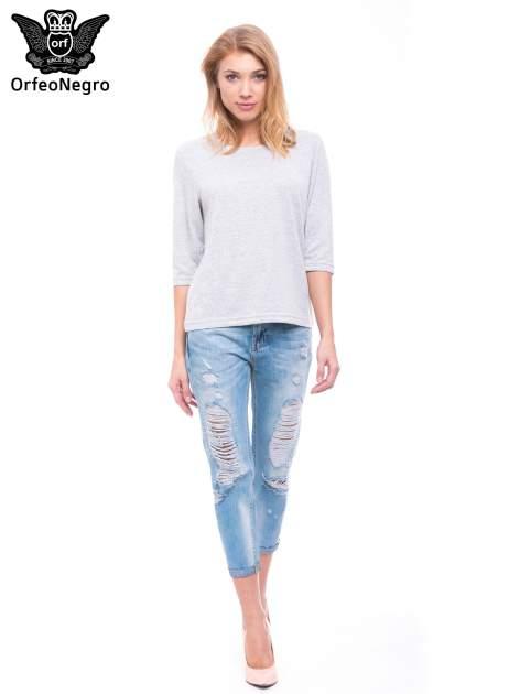 Niebieskie spodnie girlfriend jeans 7/8 z przetarciami                                  zdj.                                  2