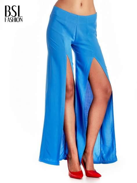 Niebieskie szerokie dzwony culottes z rozcięciami