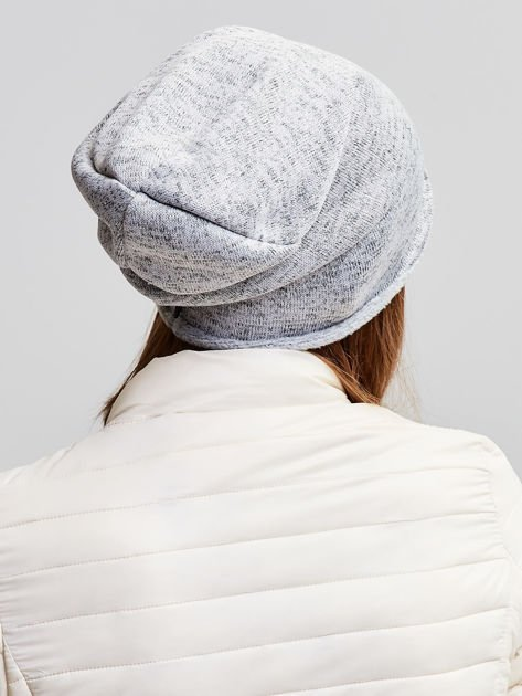 Ocieplana bawełniana czapka beanie z naszywką jasnoszara                              zdj.                              3