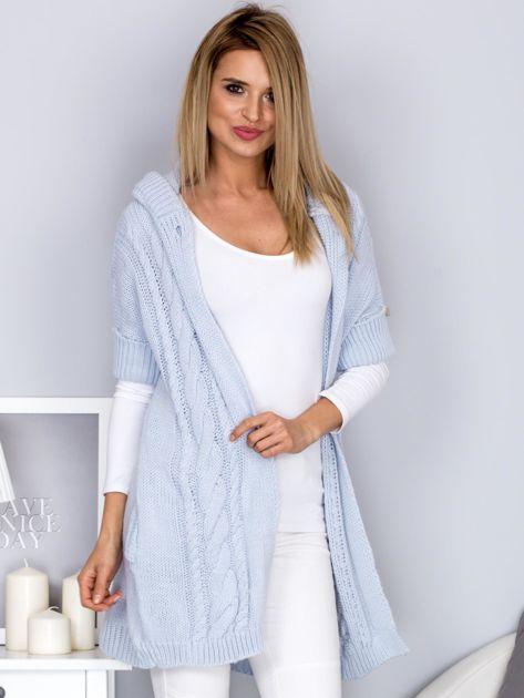 Otwarty sweter z warkoczowym wzorem i kapturem błękitny                              zdj.                              7