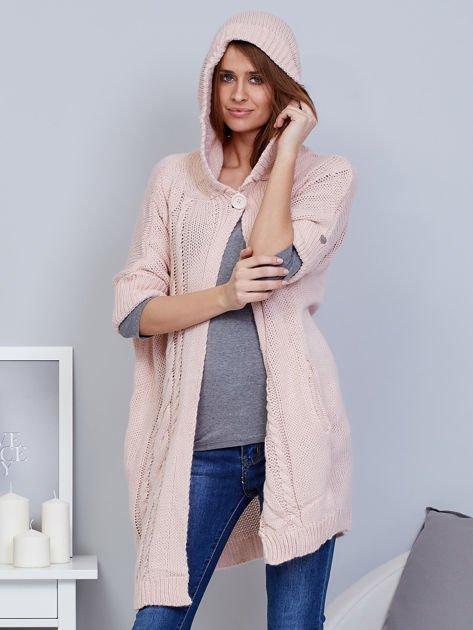 Otwarty sweter z warkoczowym wzorem i kapturem różowy                              zdj.                              6