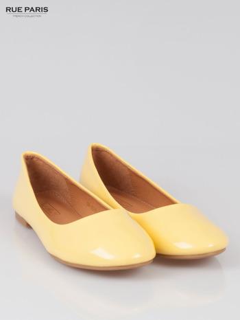 Pastelowożółte lakierowane balerinki Lemon Crush                                  zdj.                                  2