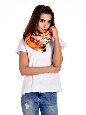 Pomarańczowa chusta w patchworkowe wzory                                  zdj.                                  1