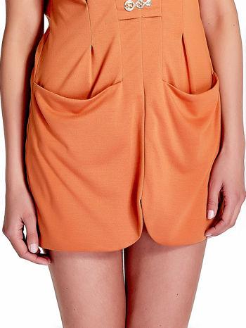 Pomarańczowa drapowana sukienka z kieszeniami                                  zdj.                                  6