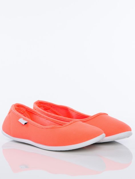 Pomarańczowe gładkie materiałowe baleriny Mellow na białej podeszwie                                  zdj.                                  2