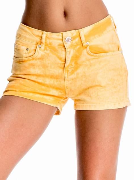 Pomarańczowe jeansowe szorty                                  zdj.                                  1