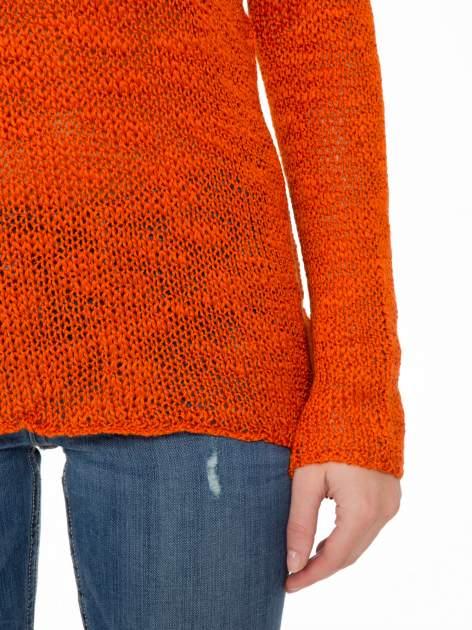 Pomarańczowy sweter z oczkami przy ramionach                                  zdj.                                  6