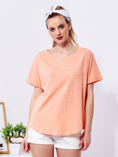 Pomarańczowy t-shirt basic z podwijanymi rękawami                              zdj.                              1