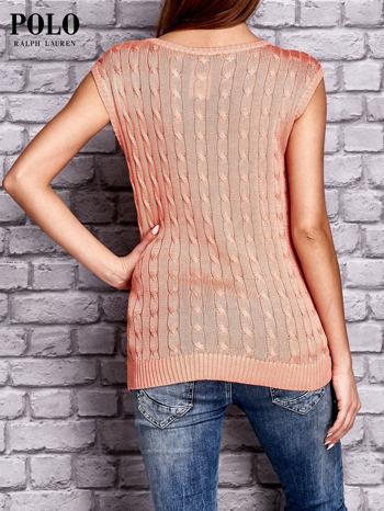 RALPH LAUREN Koralowy sweter z warkoczowym splotem                                  zdj.                                  2