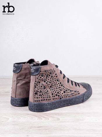 ROCCOBAROCCO brązowe zamszowe sneakersy true suede z czarnymi błyszczącymi kamieniami                                  zdj.                                  5