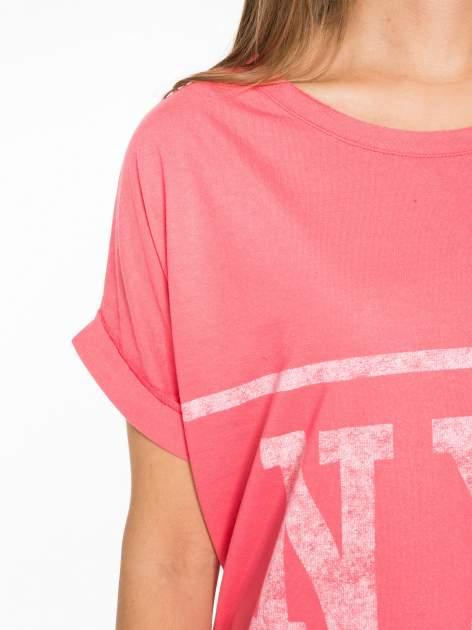 Różowa bluzosukienka z nadrukiem NYC                                  zdj.                                  6