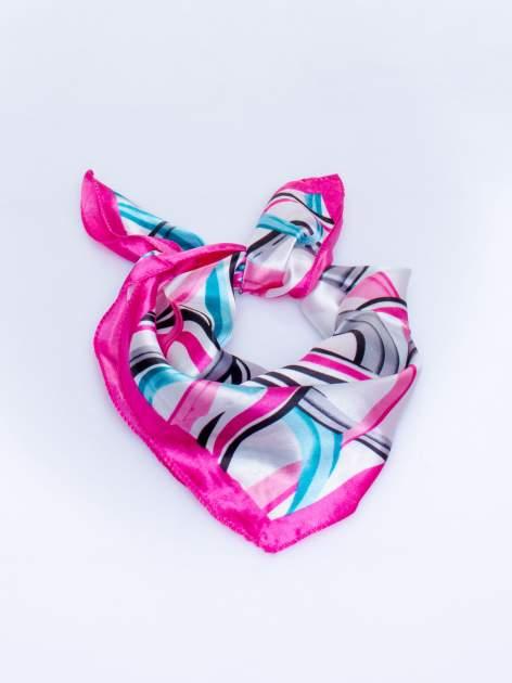 Różowa chusta apaszka w kolorowe wzory                                  zdj.                                  2