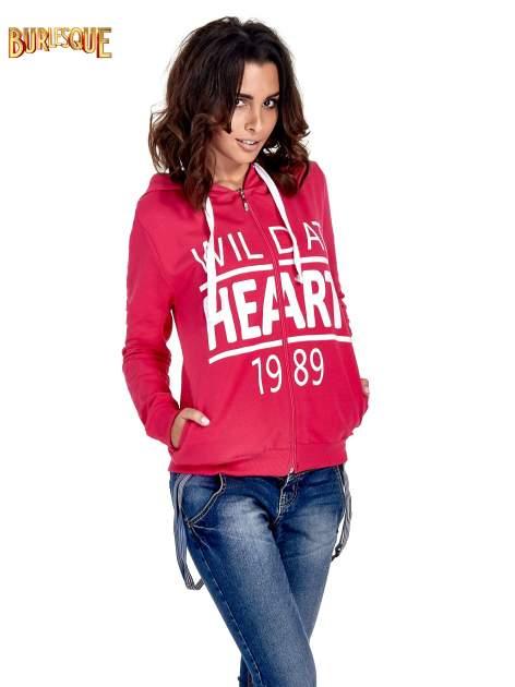 Różowa damska bluza z kapturem i napisem WILD AT HEART 1989                                  zdj.                                  1