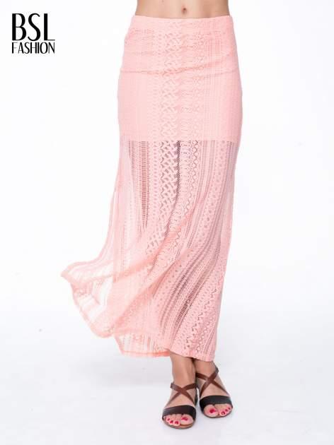 Różowa koronkowa spódnica maxi z rozporkiem
